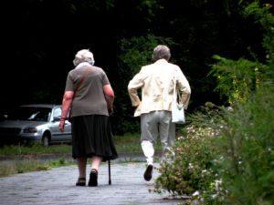 Unterwegs im Kiez, zu einem der Treffpunkte für Senioren