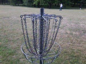 Das Ziel für die Wurfscheiben beim Disc Golf
