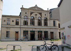 Schauplatz für das Lesefestival : die Bibliothek-Bücherei-Luisenbad