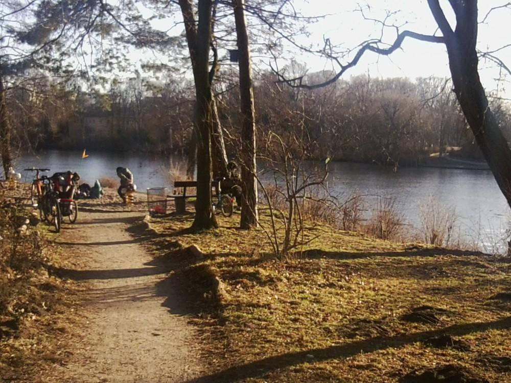 Kinderspielplatz an der Uferpromenade des Plötzensees