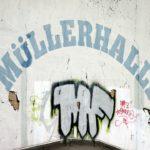 Aufschrift auf der Rückseite der Müllerhalle