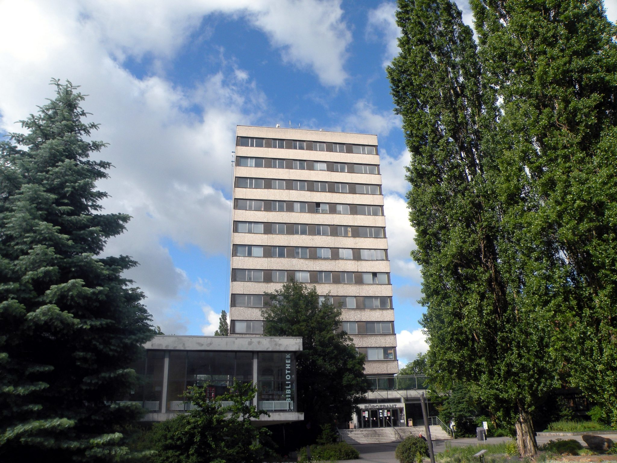 Ehem. BVV-Saal und Rathausturm