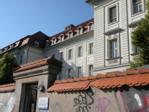 Nebeneingang des Virchow-Klinikums