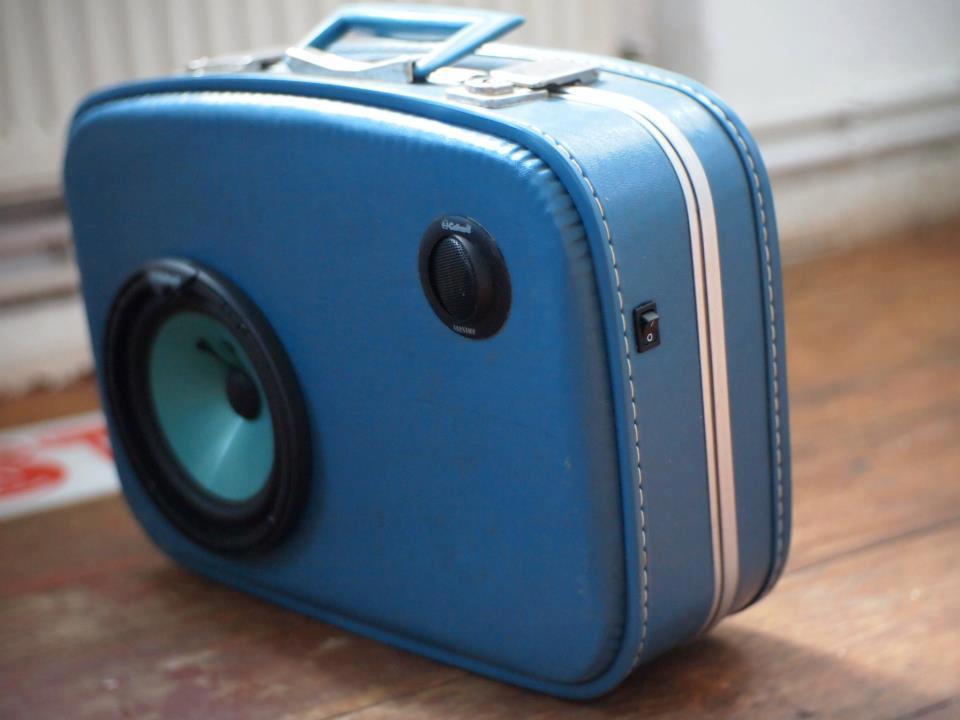 Ein Koffer wird zum Lautsprecher (Bild: sinuscase)
