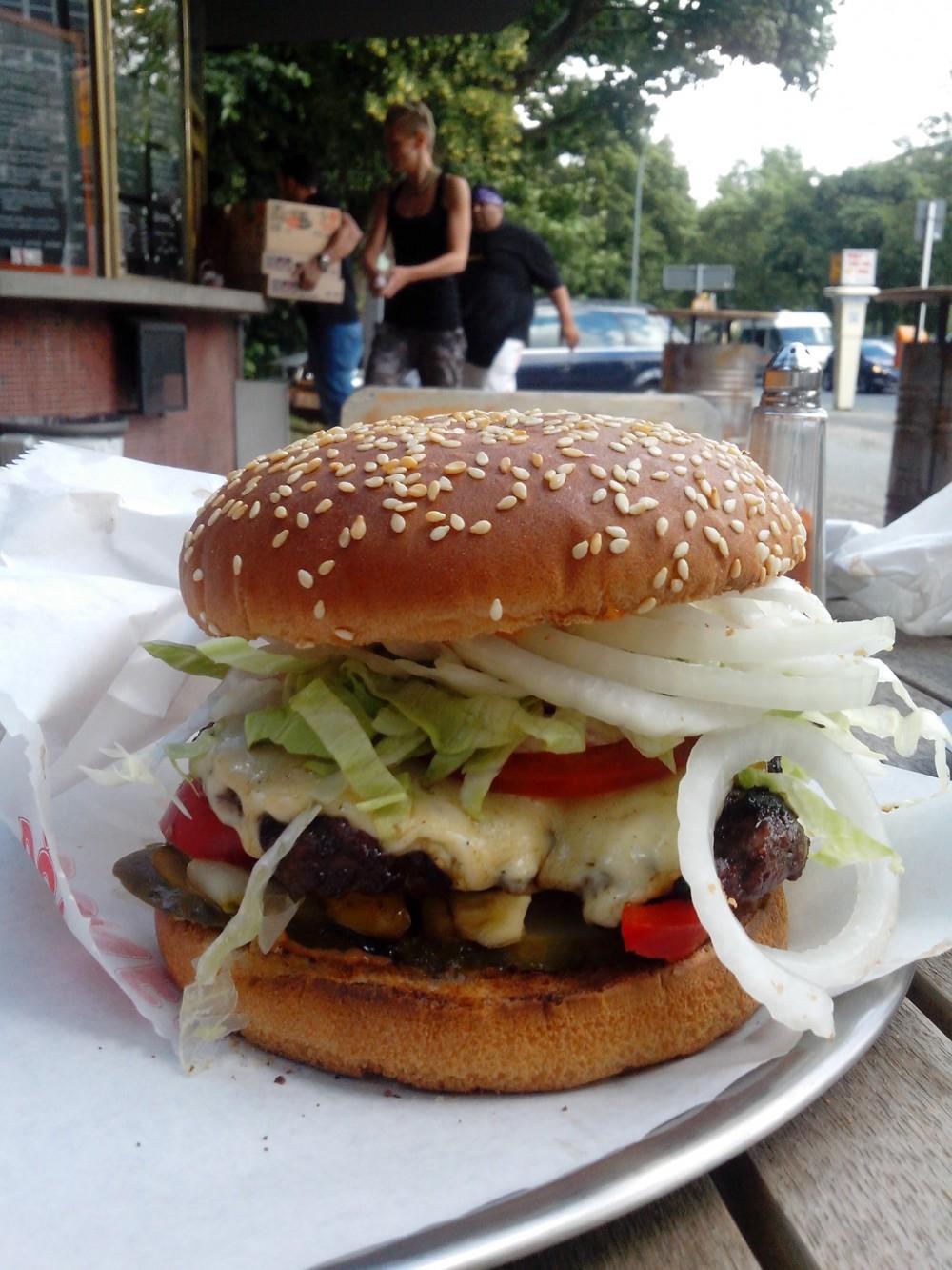 Burger im Rebel Room