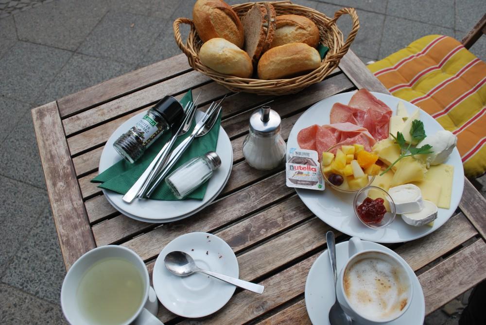 Auf der Suche nach dem verlorenen Glück Frühstück