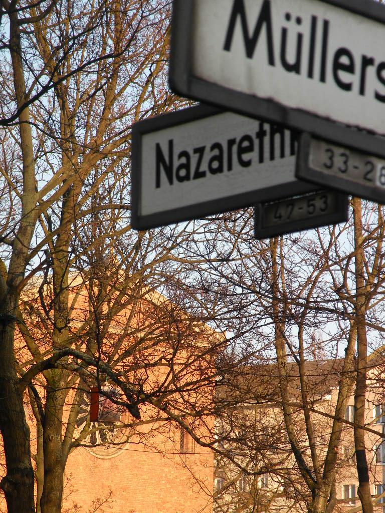 Die alte Nazarethkirche übersieht man leicht