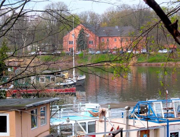 Jugendgaestehaus-am-Nordufer-Blick-vom-Nordhafen