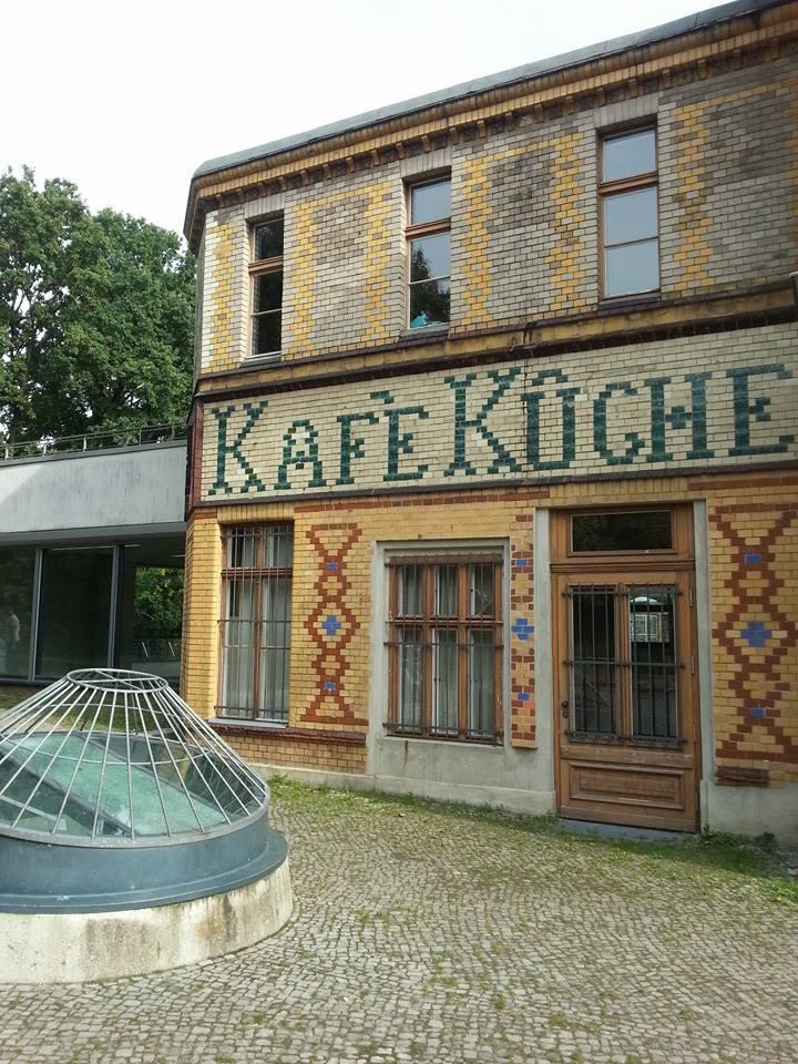 Bibliothek am Luisenbad Kafe Küche