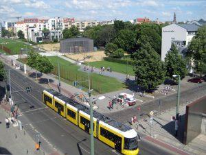 Blick auf den ehemaligen Mauerstreifen an der Bernauer Straße. Foto: Hensel