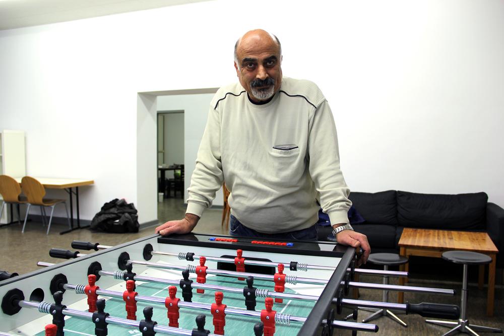 Tahsin San arbeitet als Sozialarbeiter im Club.