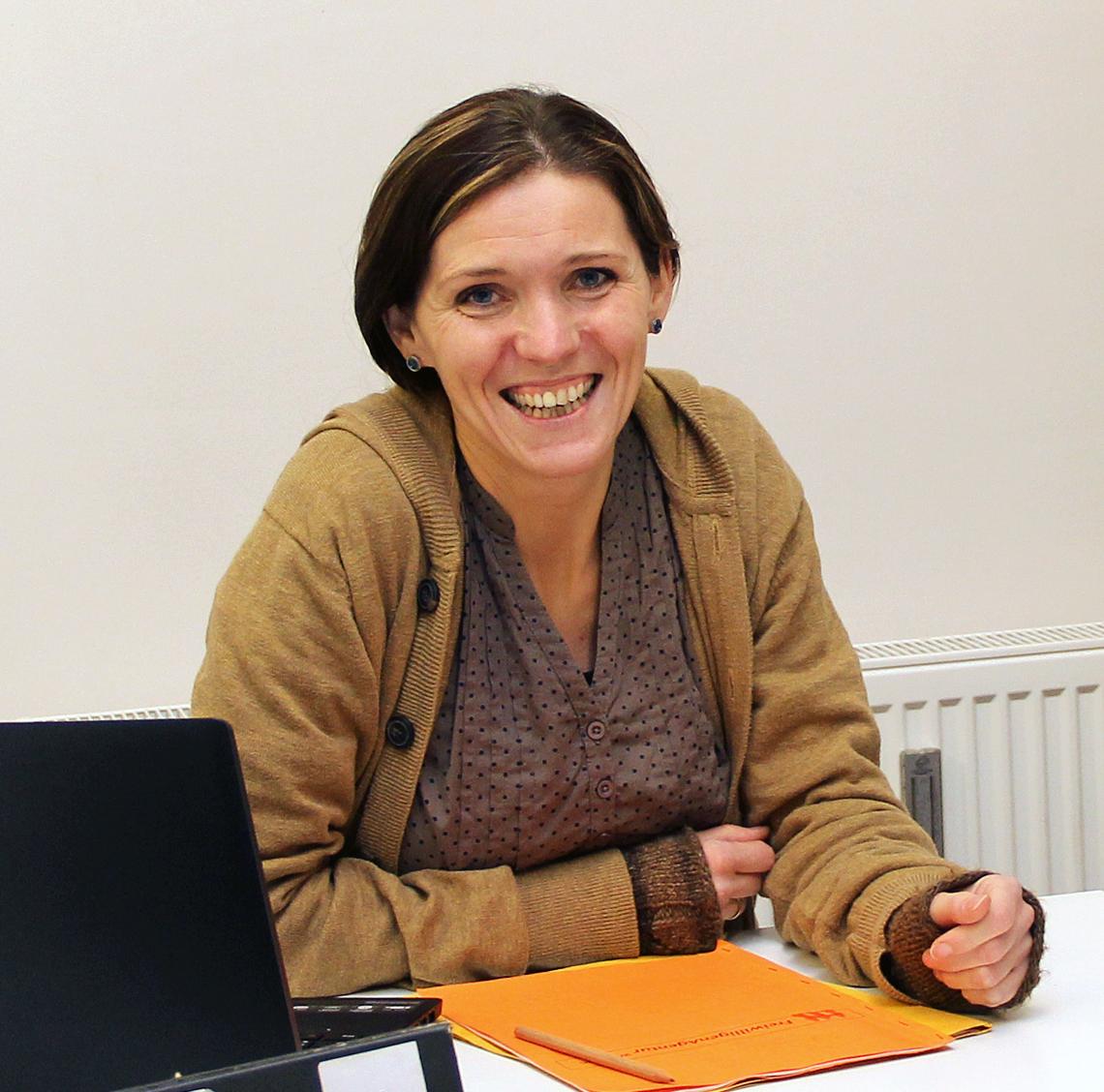 Anna Asfandiar sucht Paten für die Flüchtlinge.