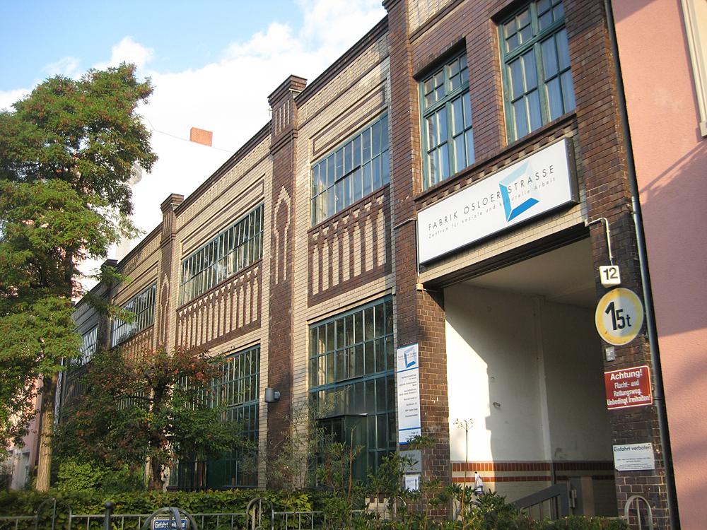 Die Fabrik Osloer Straße beherbergt viele soziale und nachbarschaftliche Projekte. Jetzt ist ein Patenschafts-Projekt für Flüchtlinge dazu gekommen.