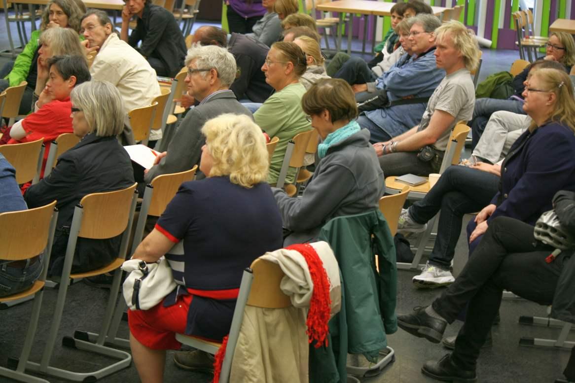 Publikum auf der 1. Berliner Mietermesse