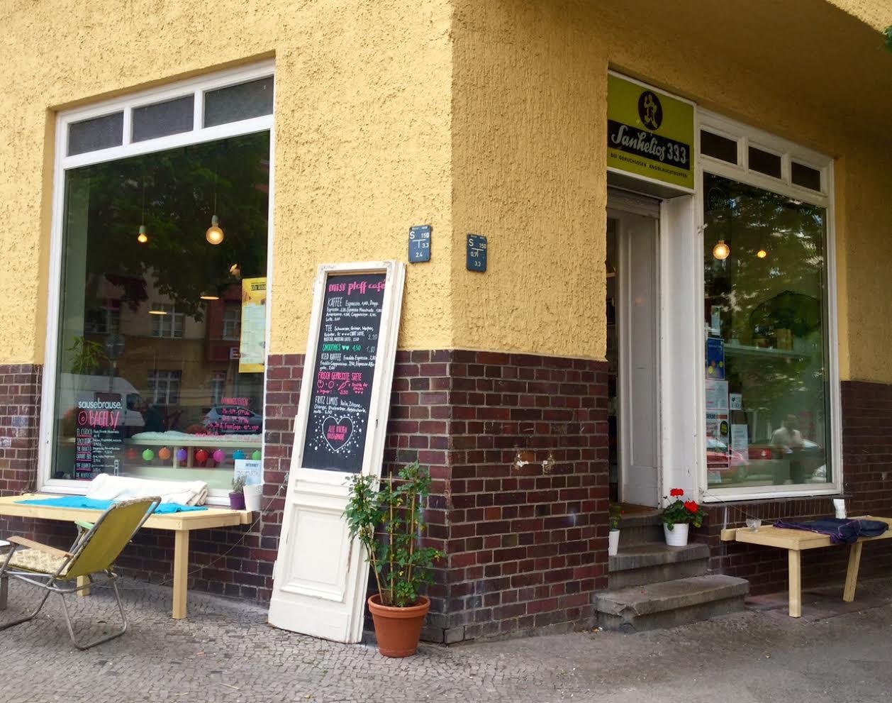 Das Café Miss Ploff in Gesundbrunnen ist ein Ort, an dem man die Zeit vergisst.
