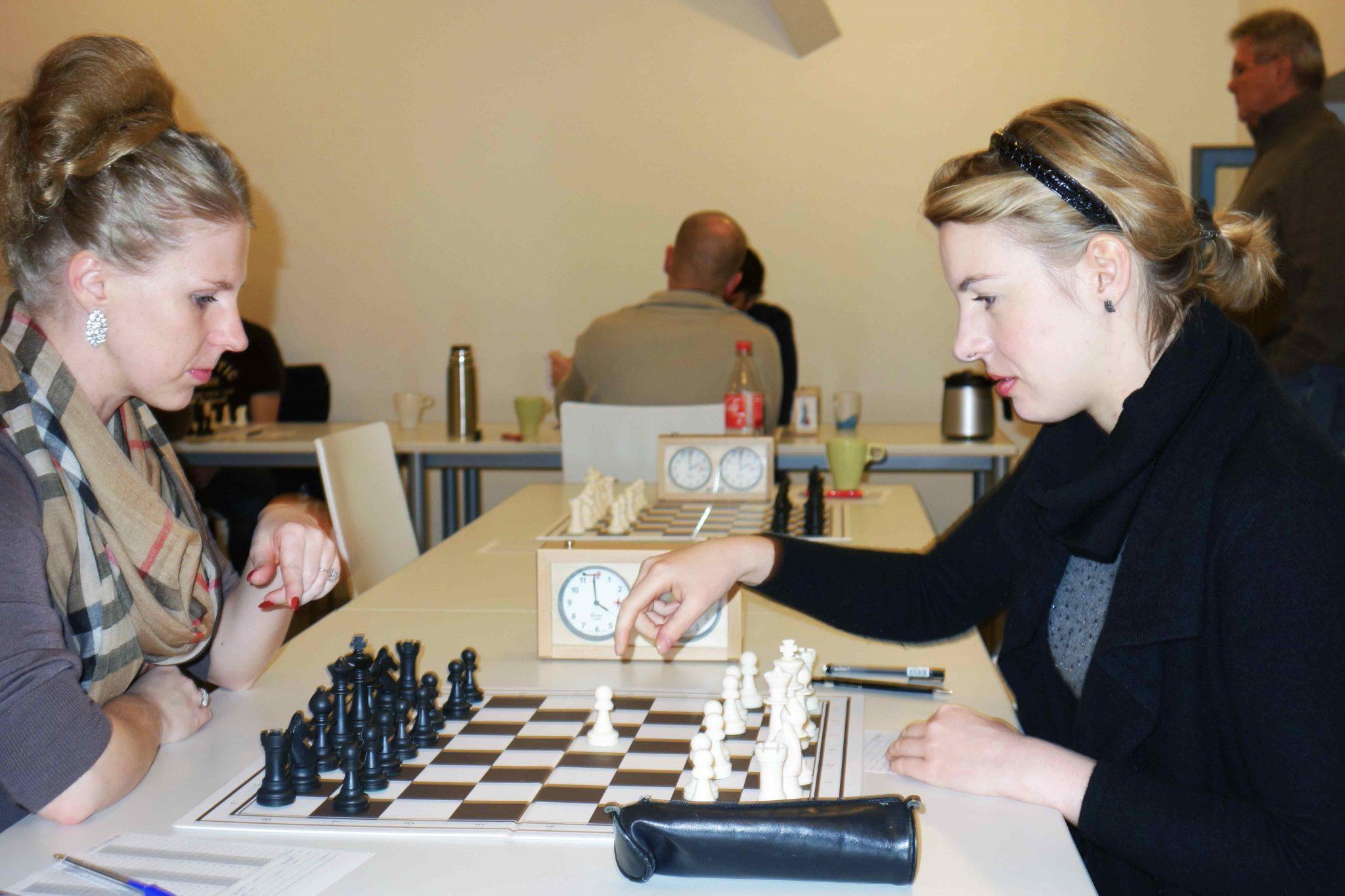 Weddiner Schachfest 2015 Königliches Spiel auch für Frauen - Foto von Harald Fietz