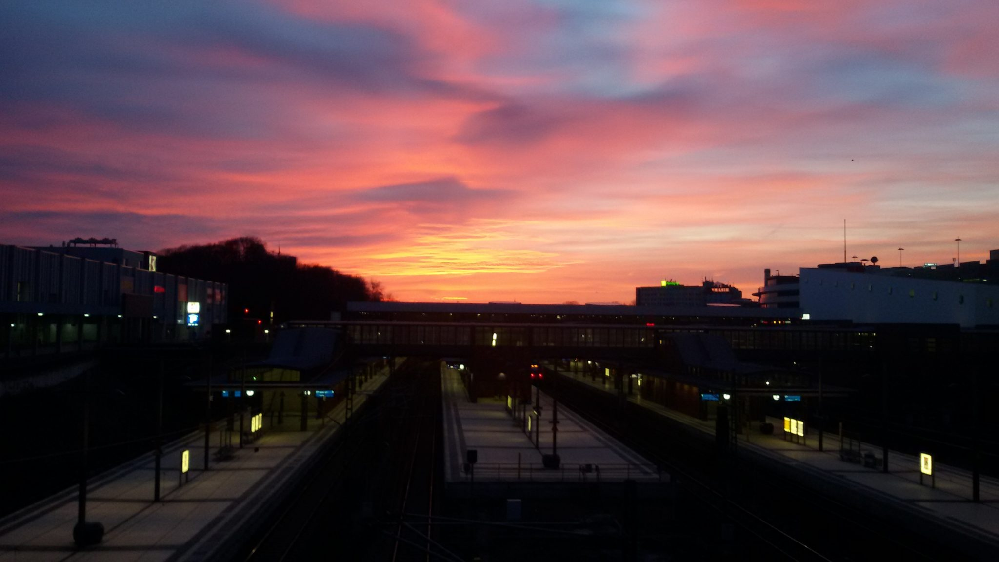 Bahnhof Gesundbrunnen Sonnenuntergang Humboldthain