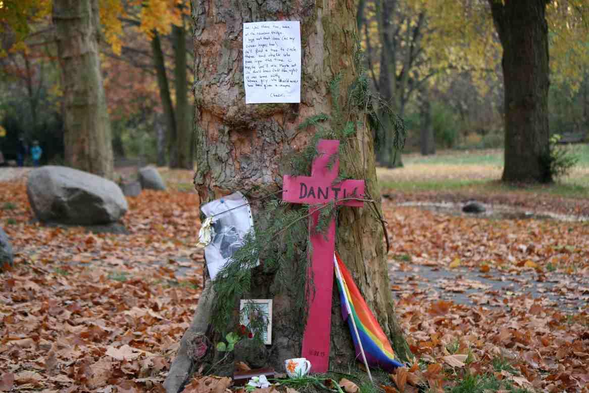 Grab von Danti dem Hund im Humboldthain