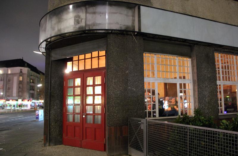 Im ehemaligen Präpel-Eck in der Prinzenallee hat eine neue Bar eröffnet. Foto: Hensel