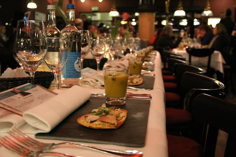 Der Tisch im Pastis ist gedeckt. Foto: Hensel