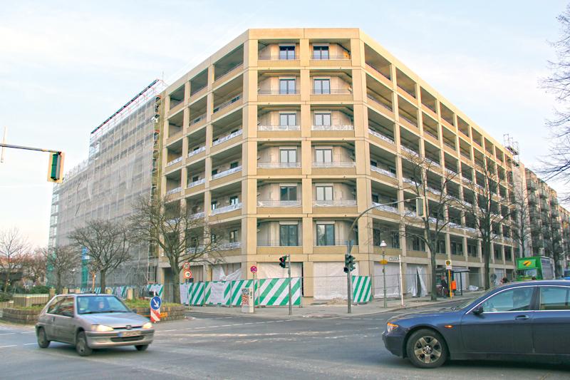 Neuer Nachbar der Gleim-Oase: das von der degewo erbaute Wohnhaus an der Ecke Graun- und Gleimstraße. Foto: D. Hensel