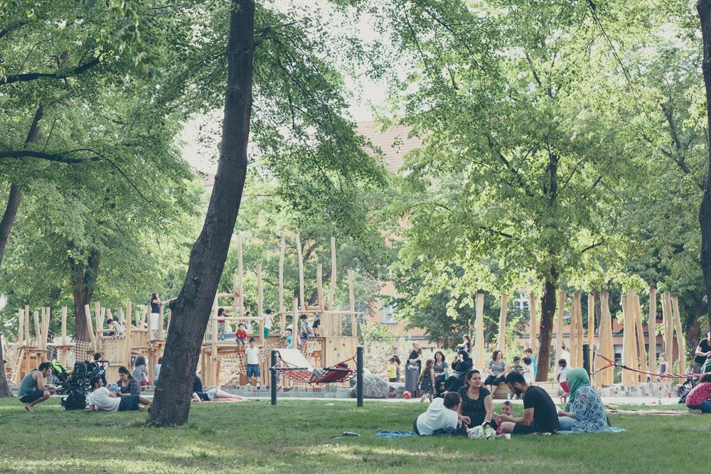 Kinderspielplatz Zeppelinplatz mit Liegewiese