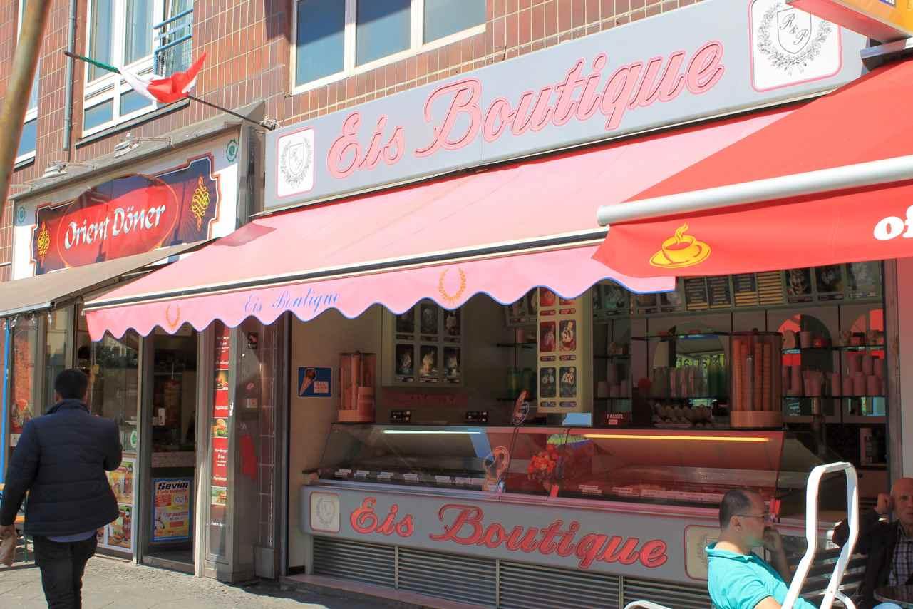Eis Boutique in der Badstraße. Foto Lotte Schnell.