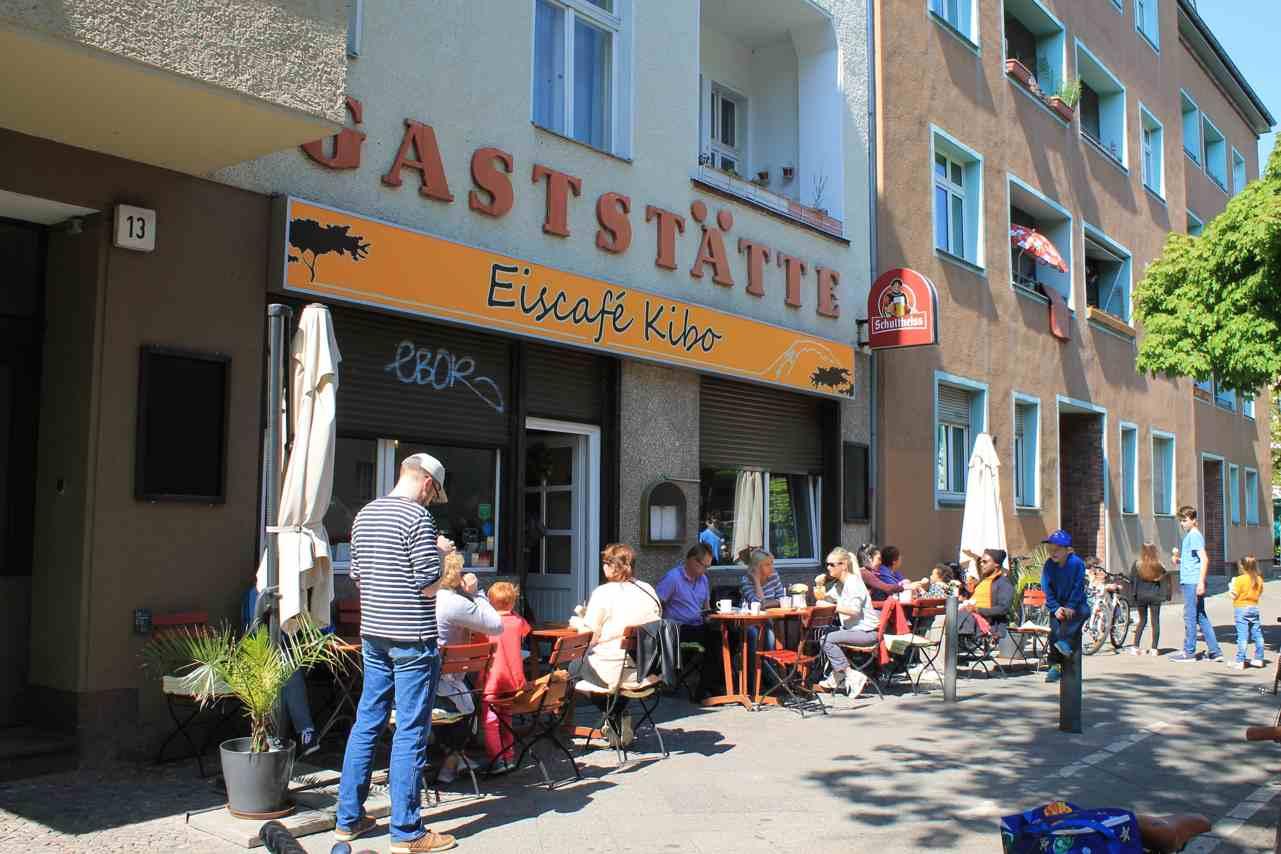 Eiscafe Kibo in der Transvaalstraße. Foto Lotte Schnell.