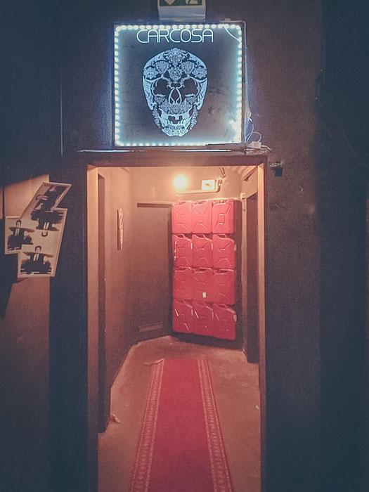 Die ominöse Tür Bild: Samuel Orsenne