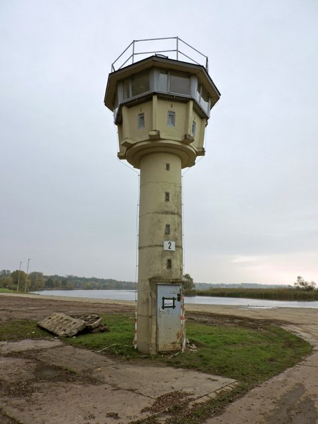 Grenzbeobachtungsturm auf dem Übungsgelände Havelberg. Foto Dirk Mundry.