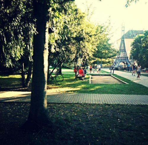 Centre Francais Garten Eiffelturm
