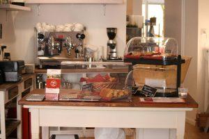 Theke im Coffee & Vino. FotoAndreiSchnell.