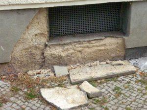 In der Friedrich Ebert Siedlung bröckelt der Putz. Foto Mietergruppe.