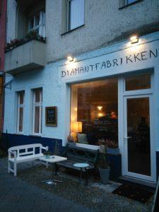 Das Café Diamantfabrikken mit Tattoostudio in der Ofener Straße
