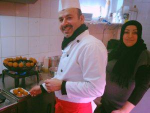 Ehepaar Akil Falafel Imbiss Bei Mama