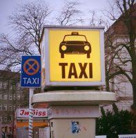 Wege zum BER: Taxi