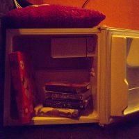 Style, WG-Bar, Kühlschrank, Bücher