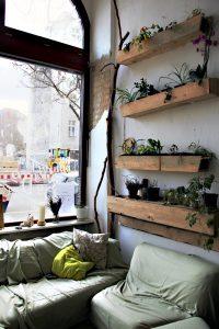 Sitzecke im Baumhaus in der Gerichtstraße. Foto: Hensel