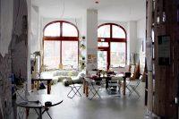 Das Baumhaus. Dazu gehört aber auch noch ein weiterer Raum und eine Küche. Foto: Hensel
