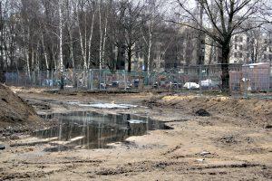Blick auf die Fläche des Mauergartens. Derzeit: Baustelle. Foto: D. Hensel