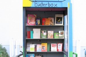 Bücherbox in der Hussitenstraße. Foto: Schnell