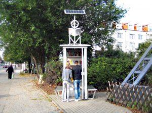 Eine der Bücherboxen im Wedding - in der Müllerstraße. Foto: Hensel
