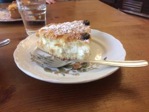Leckeren Kuchen gibt es im Herr Bielig. Foto: Hannah Beitzer