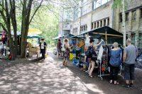 Beim Flohmarkt am Pankeufer. Foto: Hensel