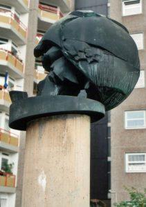 Skulptur Fußball