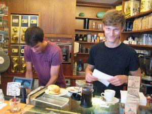 Bei Coffee Star in der Müllerstraße. Foto: Hensel