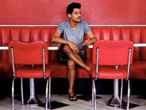 Anthony Constans spielt auf der Elektrobühne Auster. Foto: Anthony Constans