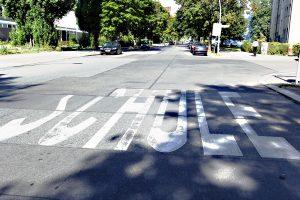 Achtung Autofahrer, hier ist eine Schule in der Nähe! Foto: Dominique Hensel