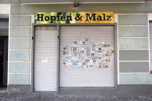 Sonst immer geöffnet: Hopfen & Malz in der Triftstraße 57. Foto: Hensel