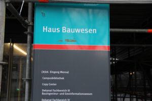 Auch im Haus Bauwesen: die Campusbibliothek. Foto: Hensel
